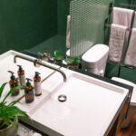 Op zoek naar een badkamermeubel hout?